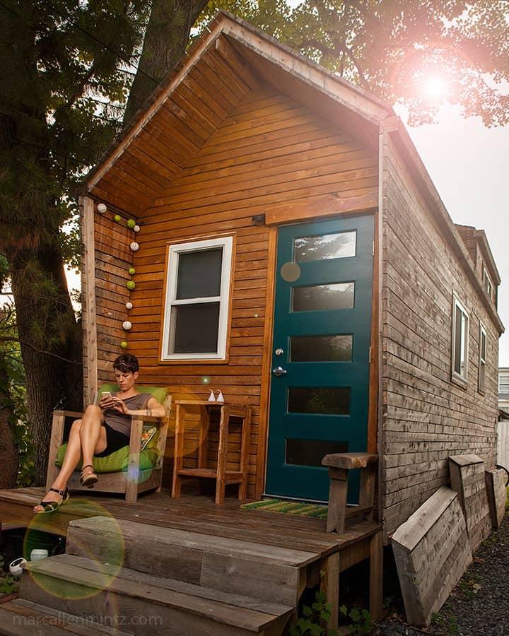 casa movel sobre rodas de madeira