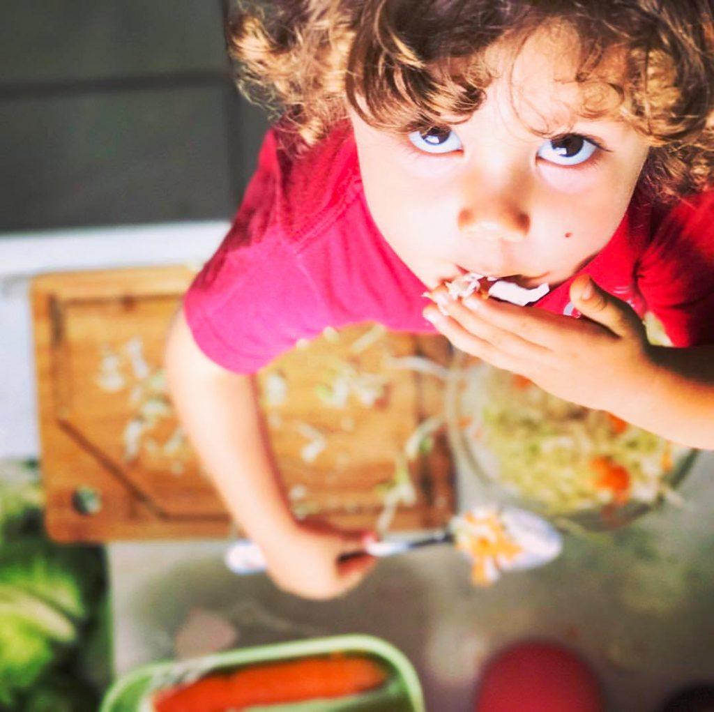 como fazer meu filho comer salada
